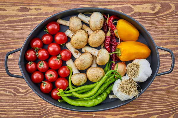 Das Foto zeigt einen prall gefüllten Gemüseteller.